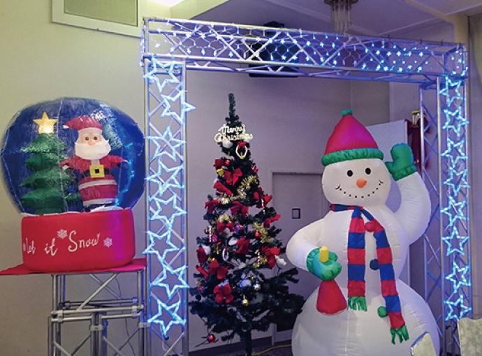 釧路しんきんクリスマスパーティの装飾提案&設営