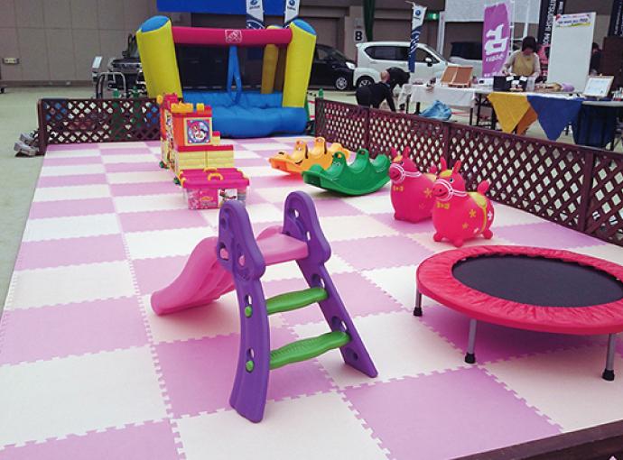 幼児向けコーナーの設営&備品レンタル